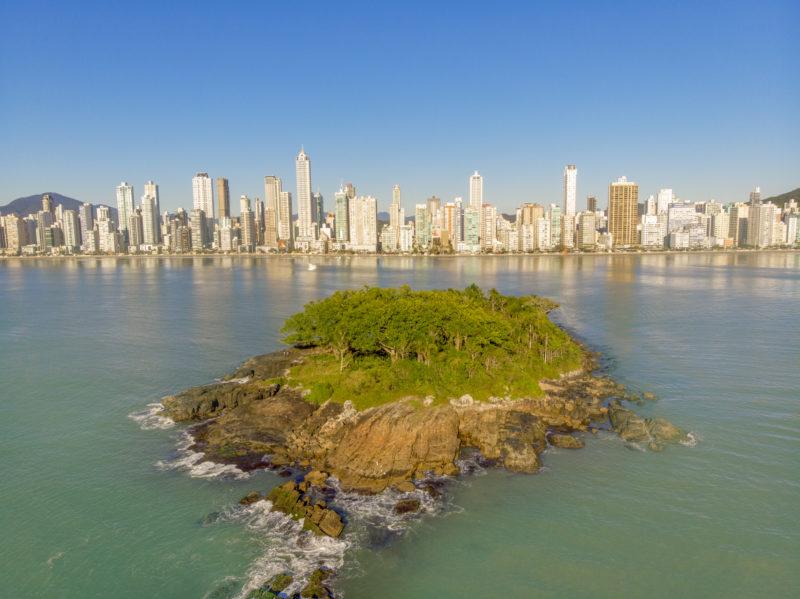 Orla de Balneário Camboriú é famosa pelos arranha-céus cada vez mais altos – Foto: Prefeitura de Balneário Camboriú/Divulgação/ND