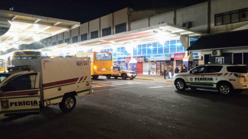 Crime aconteceu no Terminal Urbano, em Chapecó – Foto: Matheus Kojak/Divulgação/ND