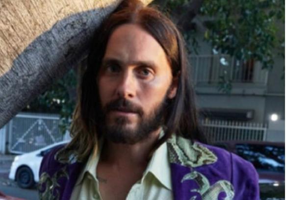 Jared Leto surge irreconhecível em cartaz de filme – Foto: Reprodução Instagram