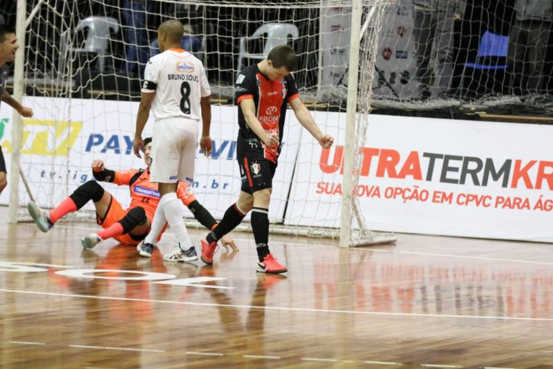 COm goleiro linha desequilibrando, JEC/Krona marcou dois gols – Foto: Juliano Schmidt/JEC/Krona/Divulgação