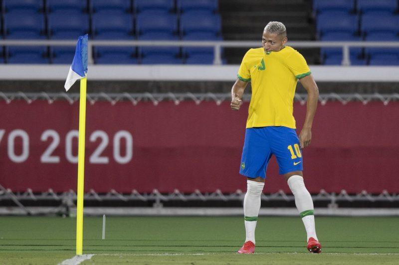 Richarlison fez três gols diante da Alemanha na estreia do Brasil nas Olimpíadas – Foto: Lucas Figueiredo/CBF/ND