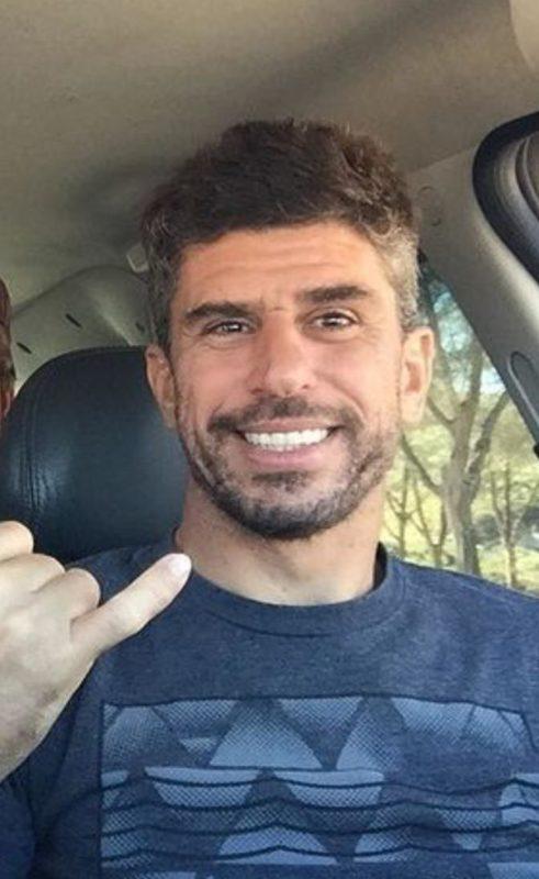 Marcelo Tonon morreu enquanto surfava na praia da Joaquina nesta quinta-feira (22).