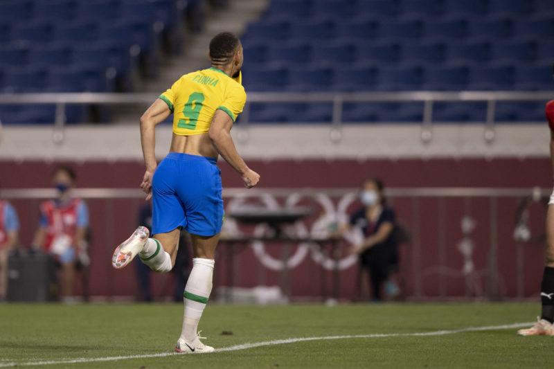 Matheus Cunha comemora o gol brasileiro – Foto: Lucas Figueiredo/CBF