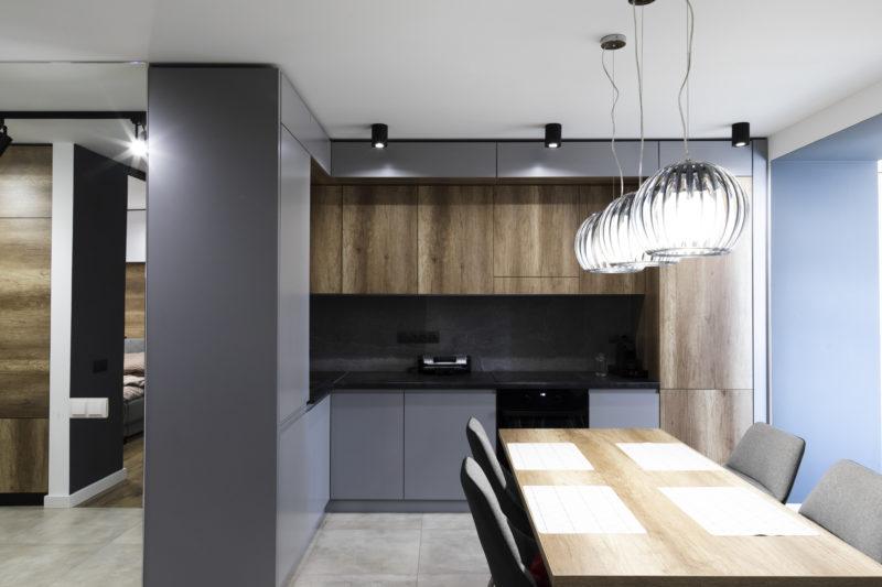 Sofisticação no estilo contemporâneo e pontos de luz no local certo – Foto: Divulgação