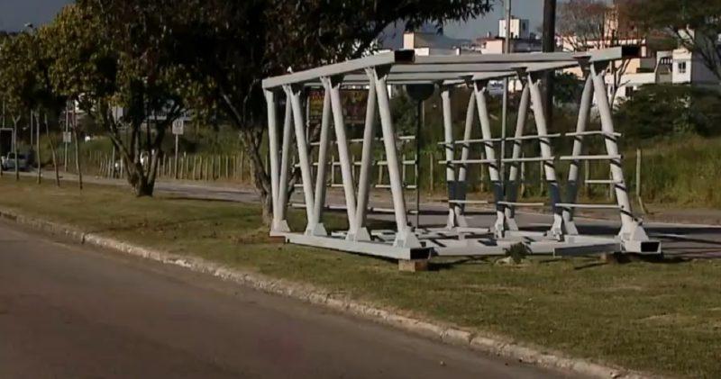 Passarela do CIC, em Florianópolis, deve ficar pronta nas próximas semanas – Foto: Reprodução/NDTV RecordTV