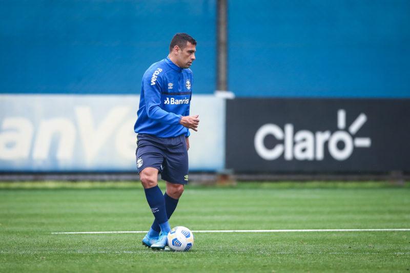 Douglas Costa pode ser novidade durante o jogo contra o Bahia neste sábado - Foto: Lucas Uebel/Gremio FBPA