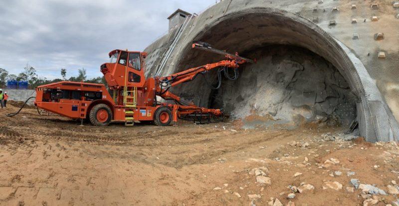 Um dos túneis sendo abertos; Contorno Viário é uma das obras mais aguardadas dos últimos anos – Foto: Arteris/divulgação