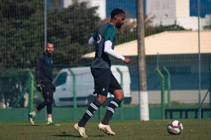 Figueirense encara o Paraná no Scarpelli, só a vitória interessa – Foto: Patrick Floriani/FFC