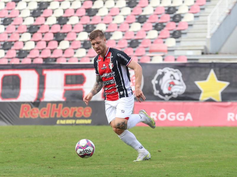 Yann Rolim foi apresentado em março e tinha contrato por empréstimo até o fim do ano – Foto: Vitor Forcellini/JEC/Divulgação