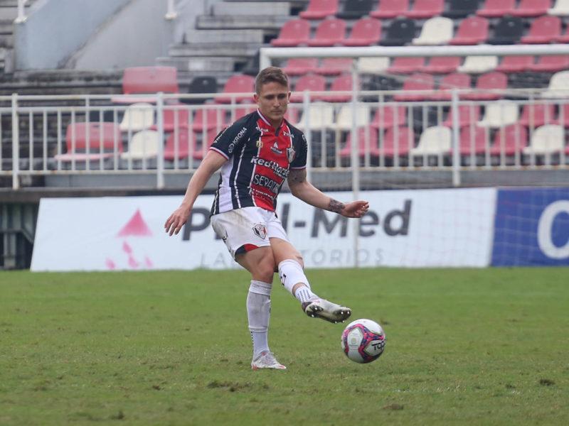 Renan Castro é um dos desfalques por suspensão para o jogo contra o Juventus, em Jaraguá do Sul – Foto: Vitor Forcellini/JEC/Divulgação/ND