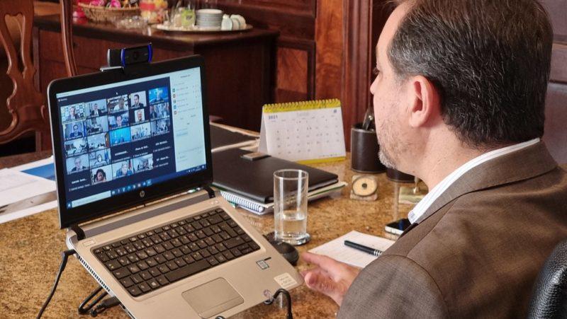 Moisés participou de reunião por videoconferência com outros governadores – Foto: Peterson Paul/Divulgação/ND