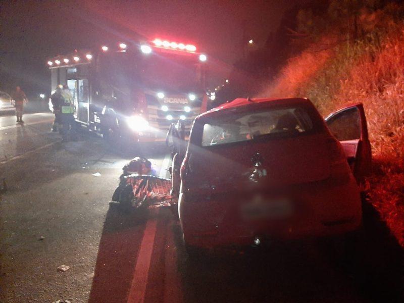 Motorista do carro morreu ainda no local – Foto: 9BBM/Divulgação