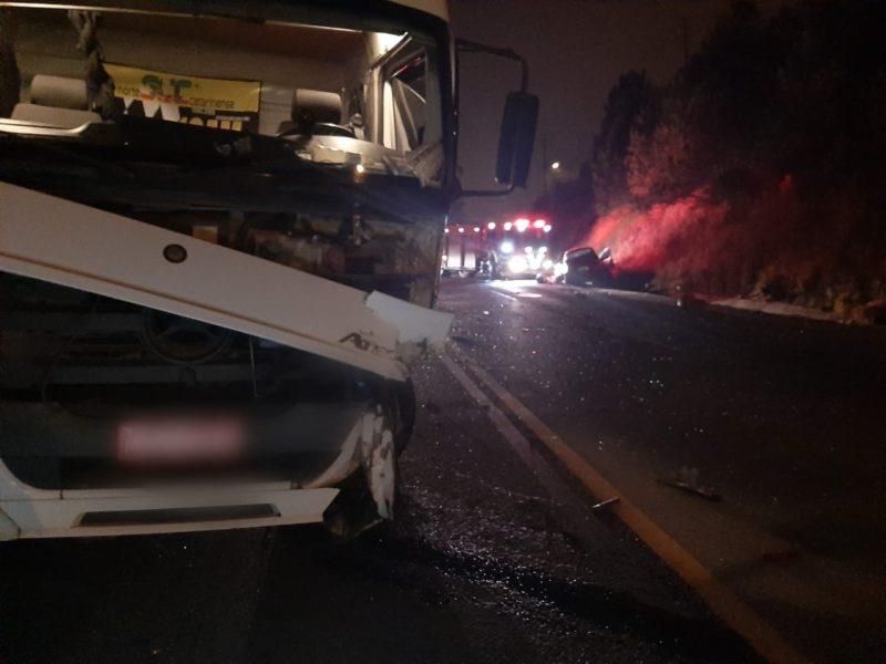 O condutor do caminhão não se feriu – Foto: 9BBM/Divulgação