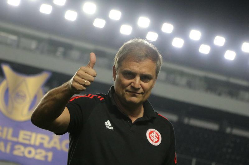 Treinador gostou da entrega da equipe no 2 a 2 contra o Santos – Foto: Ricardo Duarte/Inter/Divulgação