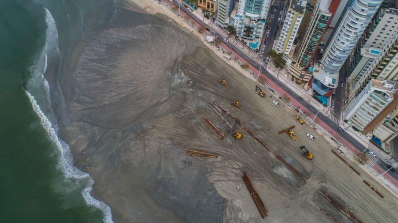 Draga já causou mudanças surpreendentes na praia central de Balneário Camboriú – Foto: Ivan Rupp/Secom BC