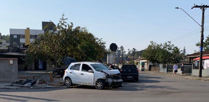 Cruzamento entre as ruas Bem-Te-Vi e Araquã exige muita atenção dos motoristas.