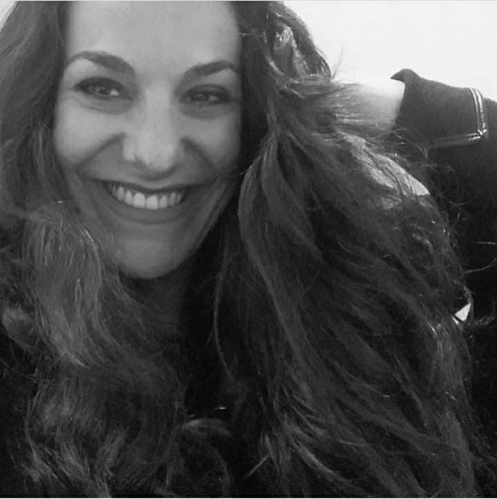 Conheça Anna Romanno, e sua arte em colagem