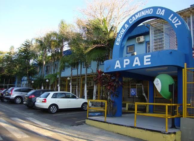 Alimentos, utensílios e diversos objetos foram furtados na APAE de Criciúma – Foto: Divulgação/Apae