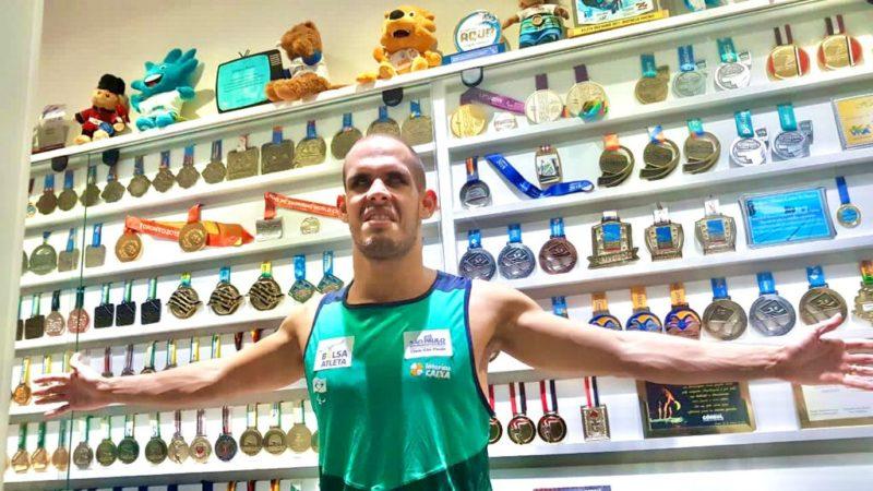 Matheus Rheine coleciona títulos na natação paralímpica – Foto: Arquivo Pessoal/José Rheine/ND