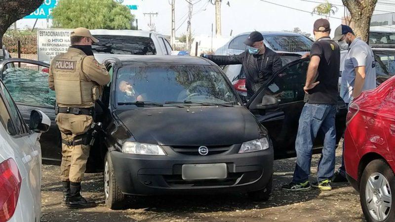 IGP realiza perícia no carro – Foto: Felipe Kreusch/NDTV Chapecó