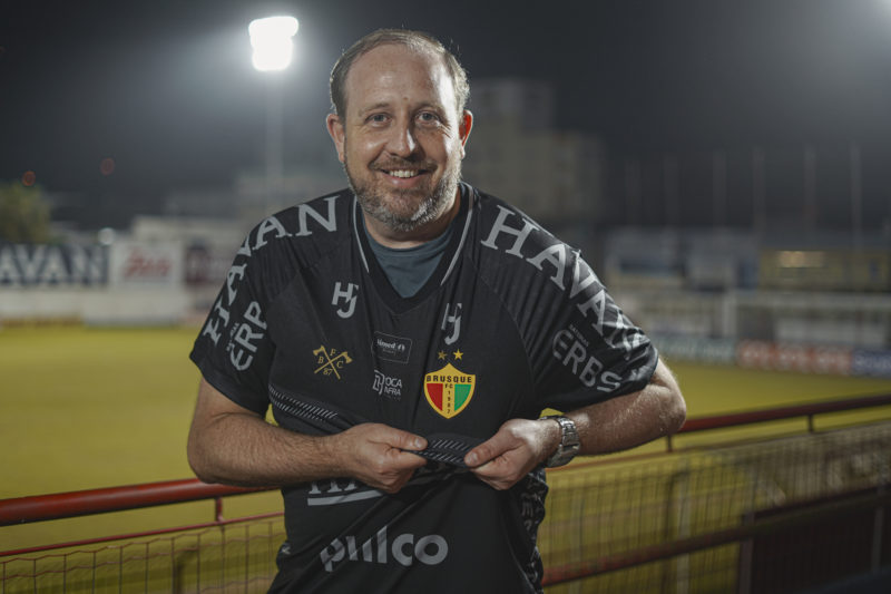 Camisa do Brusque FC será estreada nesta quinta-feira (19) – Foto: Lucas Wippel/Divulgação
