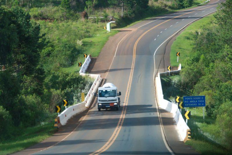 BR-282 é uma estrada de contrastes, que corta o Estado do litoral ao oeste – Foto: Julio Cavalheiro/Secom/ND