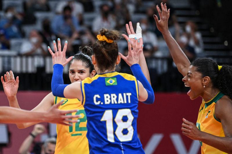 Após prata em Tóquio, líbero Camila Brait anuncia aposentadoria da seleção de vôlei – Foto: YURI CORTEZ / AFP