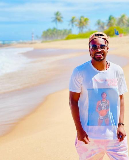 """""""Axé, Bahia"""", diz Thiaguinho em foto – Foto: Instagram/Reprodução/ND"""