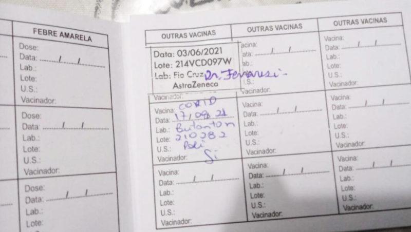Carteirinha aponta registro de doses diferentes da vacina contra a Covid-19 em Canoinhas – Foto: Divulgação/ND