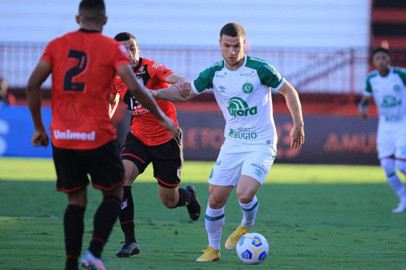 Chapecoense segue sem vencer na Série A; último resultado foi um empate com o Atlético, em Goiânia (GO) – Foto: Márcio Cunha/ACF