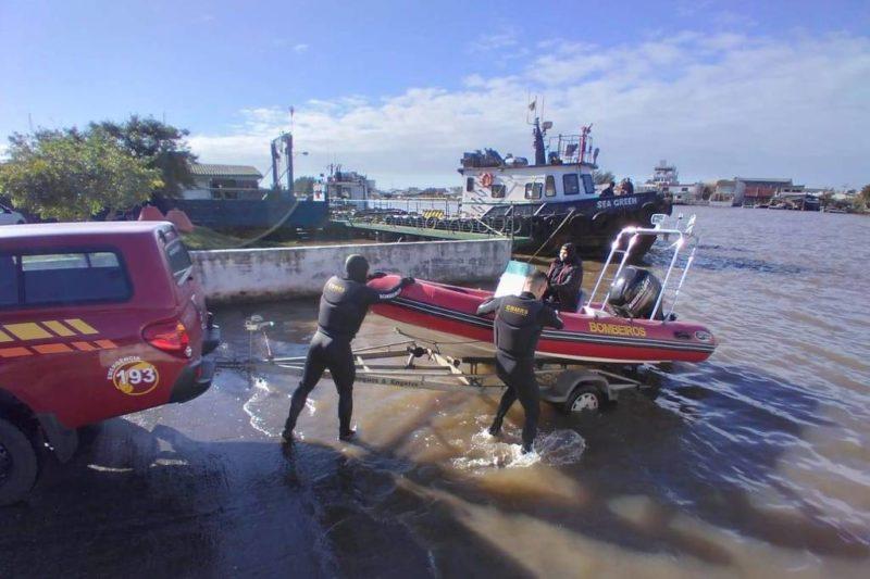 Bombeiros de Imbé fazem buscas por corpo de menino jogado no rio – Foto: Correio de Imbé/Divulgação/ND