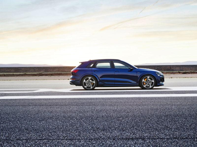 """<span style=""""font-weight: 400;"""">E-tron S: três potentes motores, design esportivo e com autonomia de até 380 km com uma única carga</span> &#8211; Foto: Audi/Divulgação"""