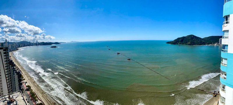 Navegação na praia Central de Balneário Camboriú está proibida por conta da obra de alargamento – Foto: Secom BC/Divulgação