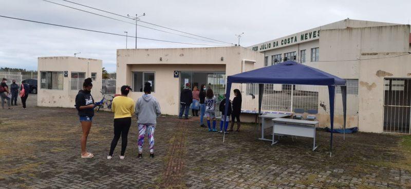 Em meio a incerteza e protesto, alunos de escola cedendo em Florianópolis voltam às aulas