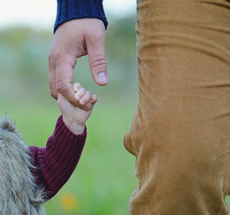 Pais enfrentam os desafios de estar presente na criação dos filhos – Foto: Pixabay/ Divulgação/ ND