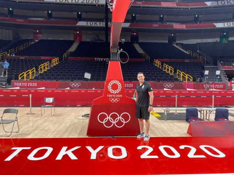 Guilherme Locatelli na quadra dos Jogos Olímpicos de Tóquio – Foto: Reprodução/ Guilherme Locatelli