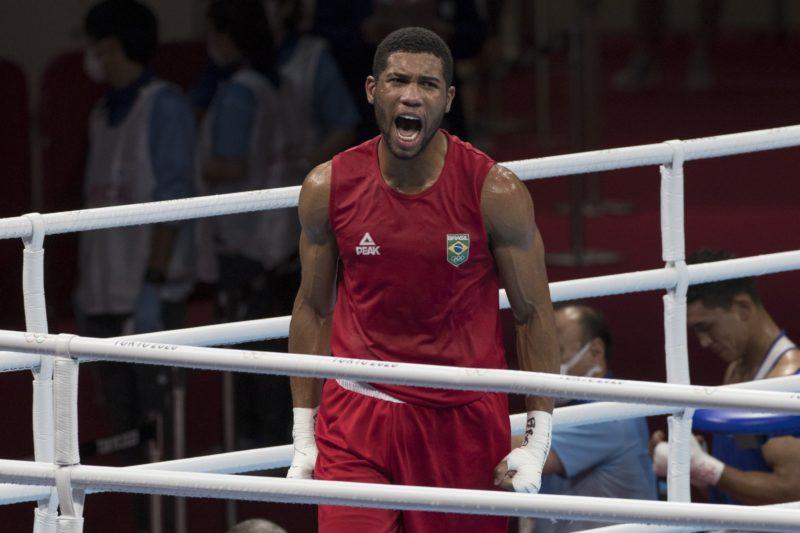 Hebert Conceição consegue vaga na final do boxe – Foto: Julio Cesar Guimarães/COB