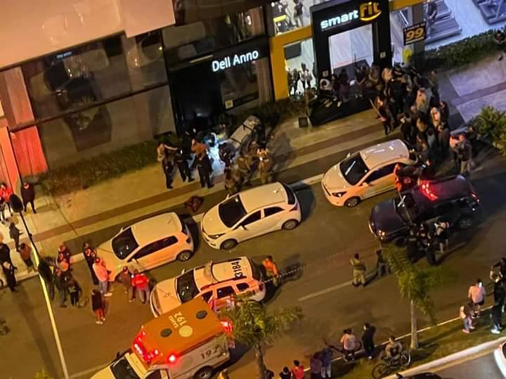 Vítimas foram conduzidas ao hospital pelo SAMU – Foto: Reprodução/ND