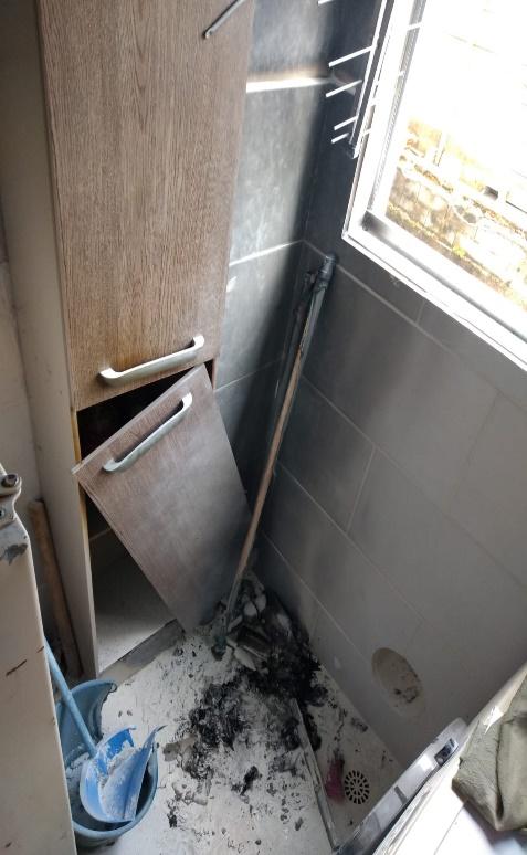 Incêndio foi registrado na manhã deste domingo