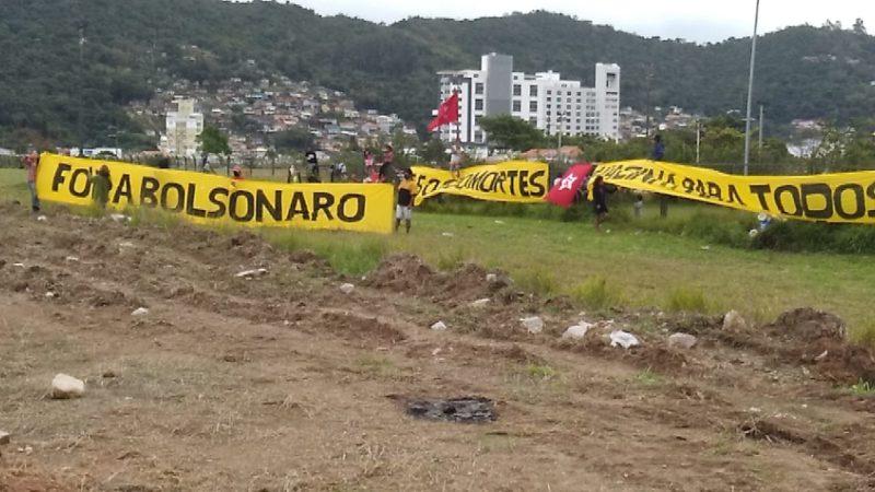 Protesto indígena próximo a concentração da motociata de Bolsonaro – Foto: Paulo Rolemberg/ND