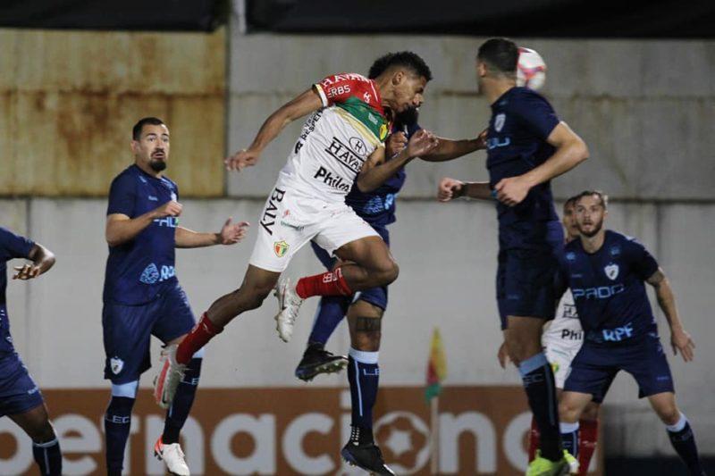 Brusque 0 a 0 Londrina; jogo fraco e marcado por caso de racismo. – Foto: Lucas Gabriel Cardoso/Brusque FC