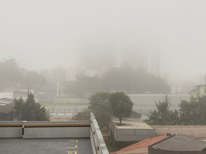 Nevoeiro visto no bairro Estreito, região continental de Florianópolis – Foto: Foto: Gustavo Bruning/ND