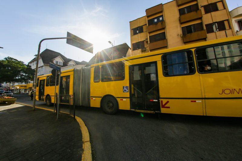 Joinville garante o funcionamento das linhas de ônibus por uma semana com paralisação dos caminhoneiros.- Foto: Carlos Junior/ND