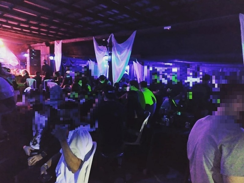 PM flagrou evento com cerca de 400 pessoas em um estabelecimento em Estação Cocal, em Morro da Fumaça, no Sul de SC – Foto: Divulgação/PM/ND