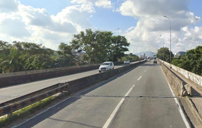 Solavanco por conta da junta de dilatação da ponte foi responsável por queda de passageira de dentro do veículo – Foto: Reprodução/Google Maps/ND