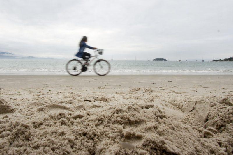 Prefeitura elabora projetos para alargamento das praias de Jurerê e Ingleses