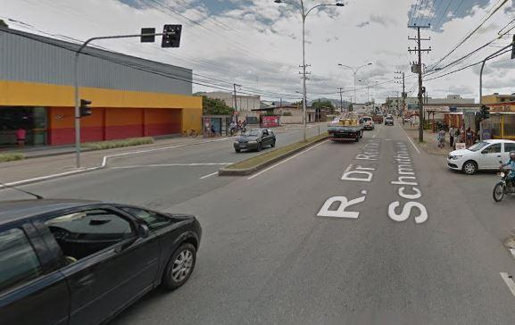 Rua Dr. Reinaldo Schmithausen, no bairro Cordeiros, em Itajaí – Foto: Google Maps/Reprodução