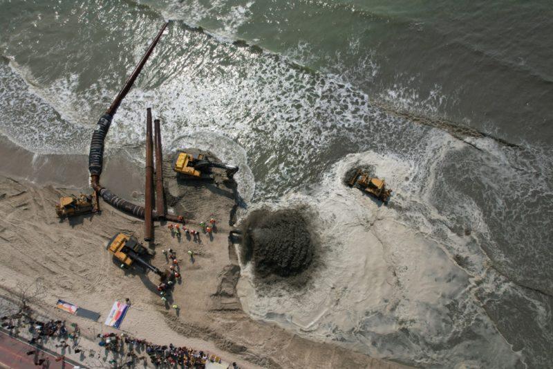 alargamento da faixa de areia de balneário camboriú – Foto: Prefeitura de Balneário Camboriú/Divulgação ND