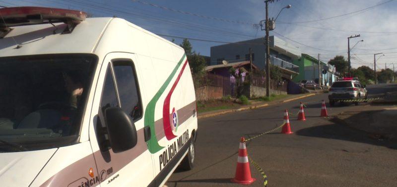 Polícia Militar isolou o local onde os tiros foram disparados. – Foto: Selio Gasparetto/NDTV Chapecó
