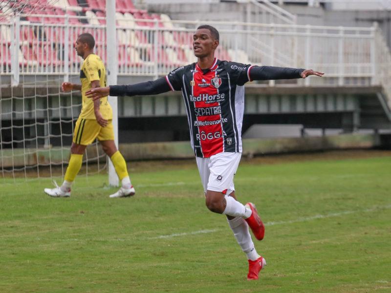 Thiago Juan vive a expectativa de ter torcida pela primeira vez como jogador profissional – Foto: Vitor Forcellini/JEC/ND/Divulgação